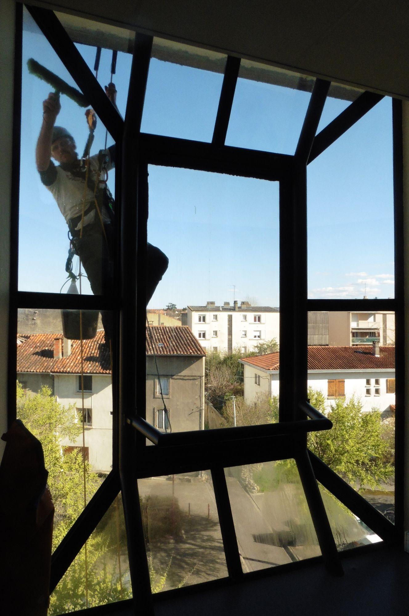 Nettoyage verrière - Mairie de Pamiers